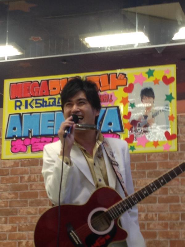 ドンキ蓮田店にて芸人のAMEMIYA(あめみや)を発見!お笑いタレント/歌手